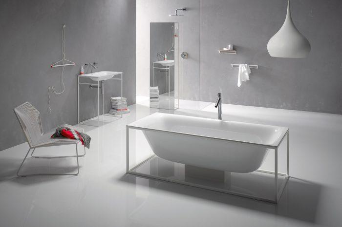 Bette Lux freestanding bath with white base frame